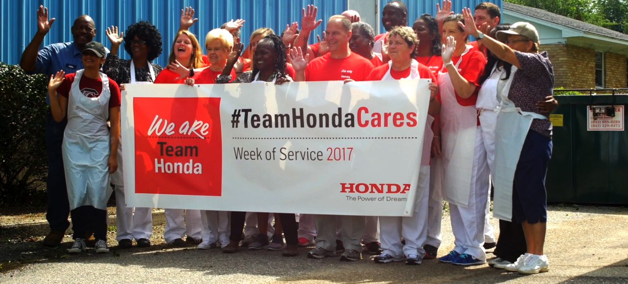 For Hondas 2018 Week Of Service Honda Associates From Torrance Calif Went To The Los Angeles Regional Food Bank Make Kits Thousands