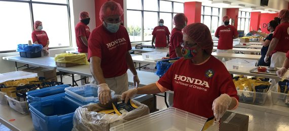 Indiana Associates Pack Meals for People in Need